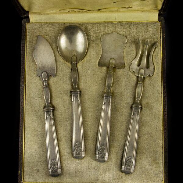 Francia ezüst kínaizáló stílusú szervírozó szett 4 darab dobozával