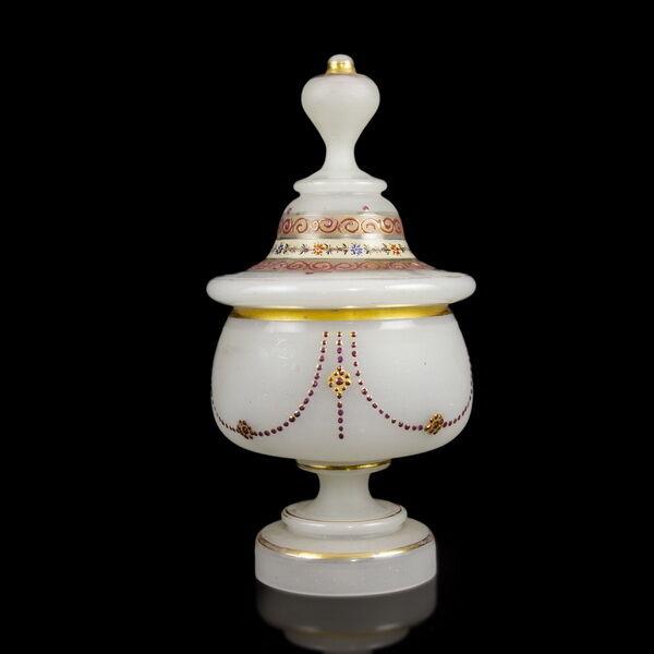 Biedermeier fedeles opálüveg bonbonier