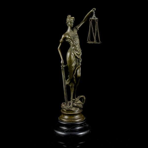Bronz Justitia szobor