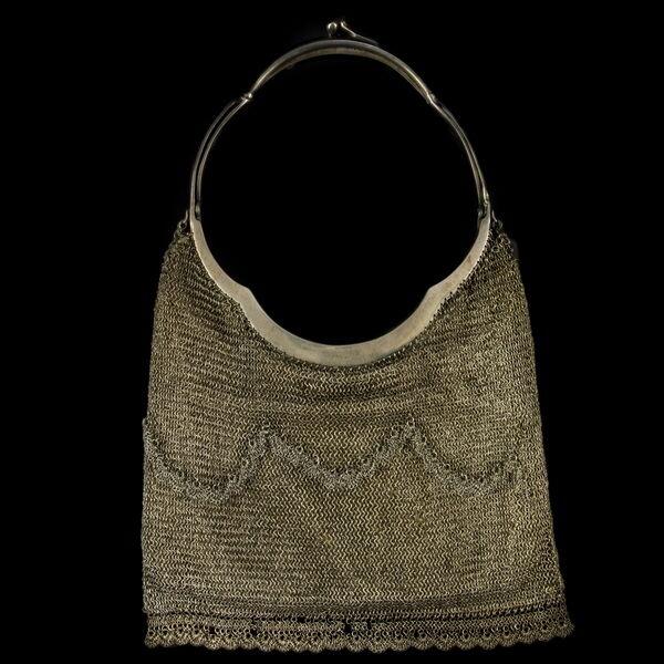 Pesti ezüst színházi táska