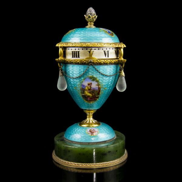 Orosz aranyozott ezüst tojásóra lüszterzománc díszítéssel