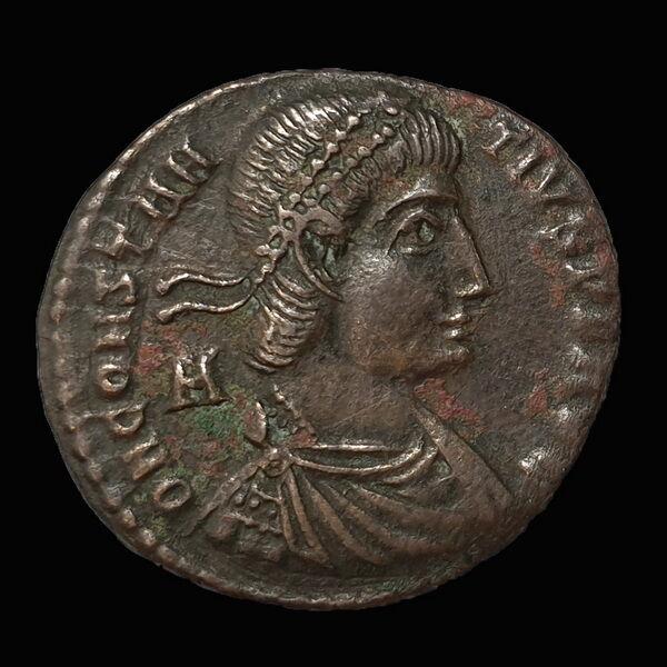 II. Constantius római császár bronz érme