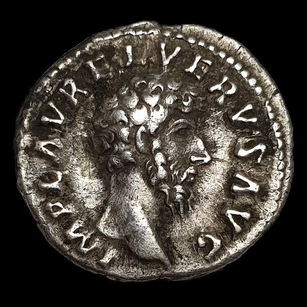 Lucius Verus római császár ezüst denár