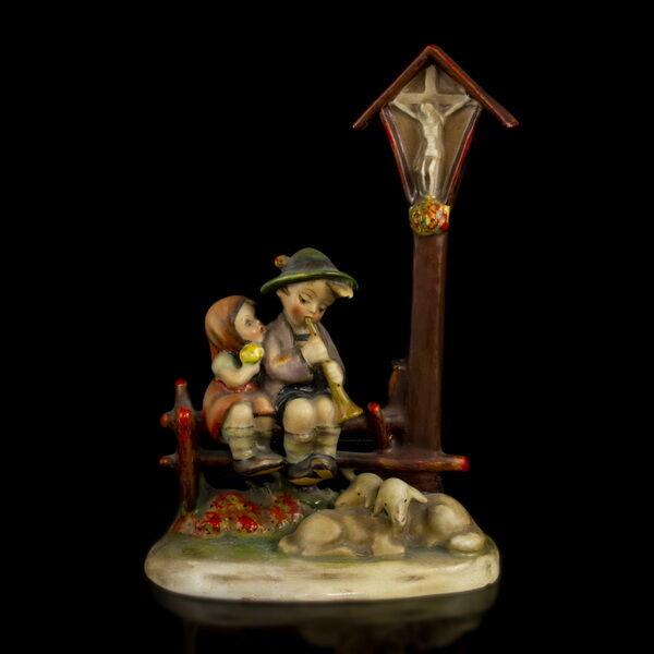 Hummel kerámia figura Útmenti áhitat (Wayside Devotion)