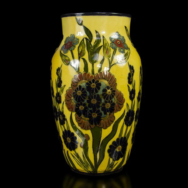 Zsolnay okkersárga nagyváza sötétkék virág dekorral